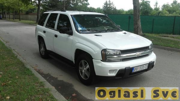 Chevrolet Trailblazer LS 2004. godište