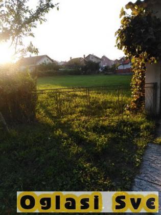 Prodajem kuću u Arandjelovcu 1 km od centra i 14,5 ari placa