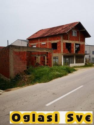 Kuca i pomoćna zgrada u Donjem Neradovcu, nadomak Vranja