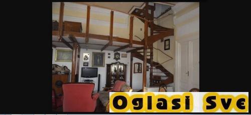 Prodaju se dve kuće na Paliću na placu od 3584m2, 10 minuta od jezera
